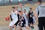 (mbor) Die neue Saison begann für das Bezirksliga Herrenteam mit einem Sieg gegen den Landesligisten USV Potsdam III. Mit 81:48 (31:25) schickten die Stahlstädter dieGästenach Hause. Vor guter Zuschauerkulisse entwickelte […]