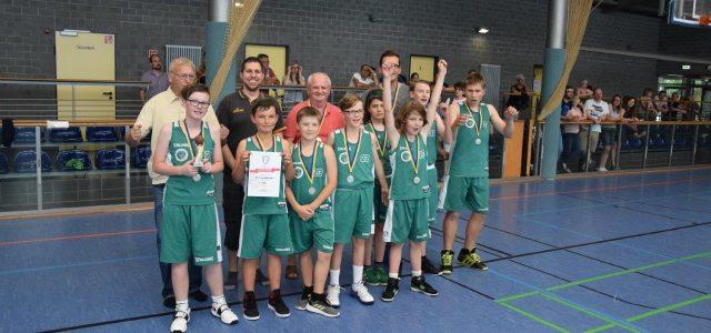 (mbor) Nachdem zweimal das EBV-Team der Altersklasse U 18 in Zörbig den Schlosspokal gewann, sicherten sich beim 3.Turnier die Jungen den Sieg. In überzeugender Manier gewann das Team alle Spiele […]