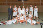 (mbor) Das Team der U 16 musste in Fürstenwalde eine unerwartete 61:76 (28:38) – Auswärtsniederlage hinnehmen. Damit rutschte Eisenhüttenstadt tabellarisch hinter der WSG Fürstenwalde ab. Der EBV begann engagiert […]