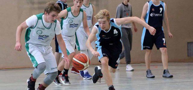(mbor/thei) Die Jungen der U 18 spielten ihre beiden Heimspiele mit wechselndem Erfolg. Das erste Spiel verlor das Oberligateam knapp gegen den USV Potsdam mit 49:53 (29:28), gegen den SSV […]