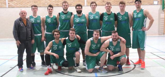 (mbor) Mit erneut zwei Auswärtssiegen beendete das Bezirksliga Herrenteam die Vorrunde in der laufenden Meisterschaft. Gegen die SV 1919 Woltersdorf II spielte die Mannschaft 74:42 (38:30), gegen den Gastgeber BV […]
