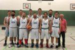 (mbor) In Potsdam konnte das Herrenteam endlich einmal mit voller Besetzung antreten. Dabei gestaltete das Team die Partie gegen Red Hawks Potsdam 2 siegreich und souverän mit 87:58 (56:30), gegen […]